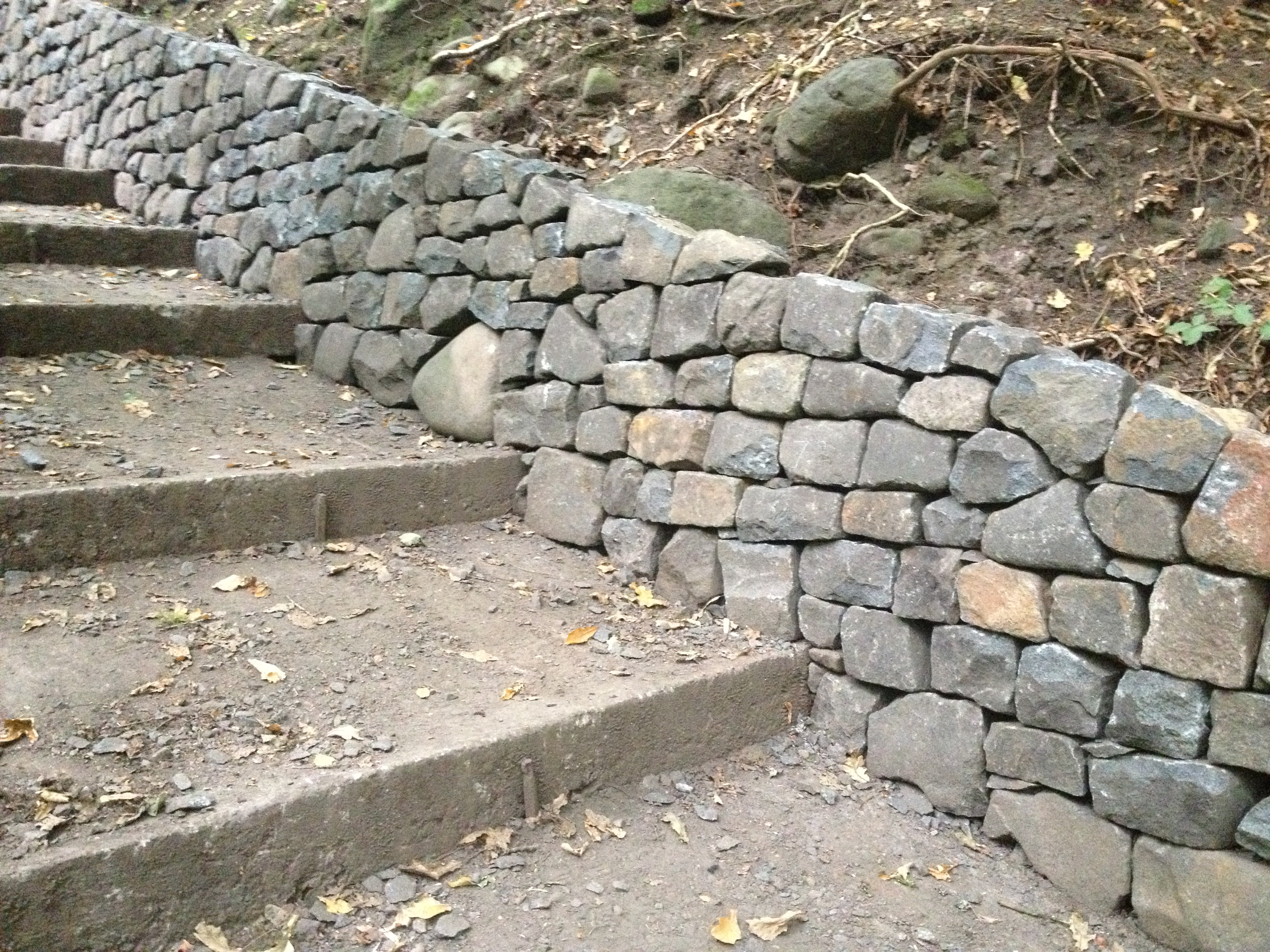 how to build low rock wall