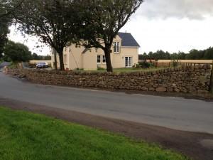 Bathgate free-standing wall
