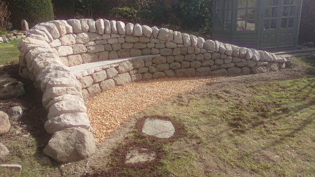 Corstorphine dry stone bench after